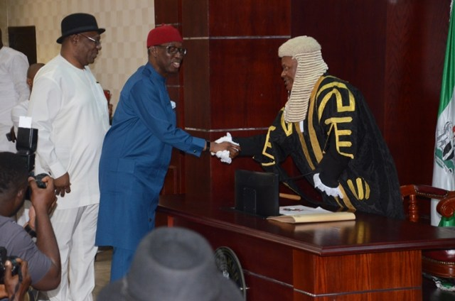 Okowa Presents 270.910bn Budget For 2017 To Delta State House of Assembly.