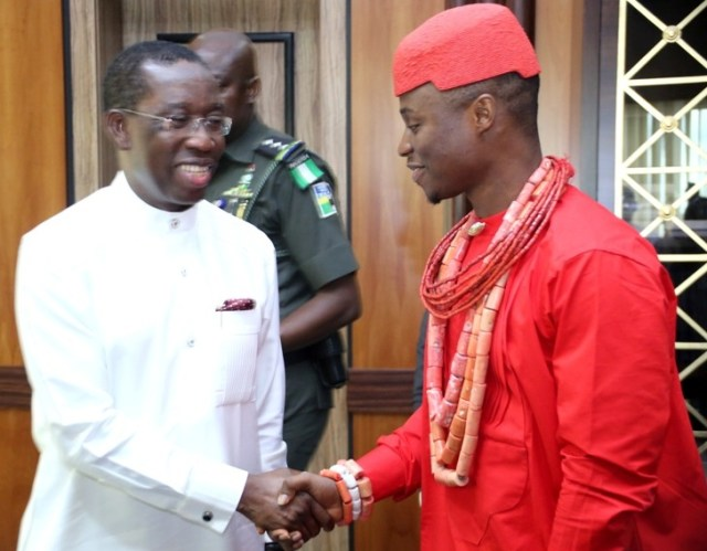 Delta State Governor, Senator Ifeanyi Okowa (left), in a Handshake with the Pere of Kabowei Kingdom, HRM Barr. Shadrach Erebulu during a Thank You visit to Governor in Government House, Asaba.