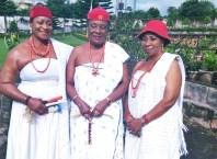 Omu Anioma, Obi Martha Dunkwu (middle) Flanked by Omu of Obior, HH Omu Onyebuchibe Okonkwo and the Omu of Ogwashi-Uku,HH Omu Edith Rafua
