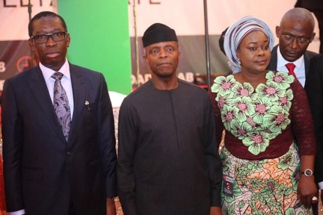 Vice President of the Federal Republic of Nigeria, Prof. Yemi Osinbajo (middle); Delta State Governor, Senator Ifeanyi Okowa (left) and President of Nigeria Guild of Editors, Mrs. Funke Egbemode, during the 14th Conference of the Nigerian Guild of Editors, held in Asaba.