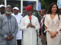 Delta State Governor, Senator Ifeanyi Okowa (middle); President of Nigeria Football Federation, Mr. Amaju Pinnick (left) and his wife, Mrs. Julie, during the Commissioning of Brown Hill Event Centre, at ELF Road Ogunu, Warri Delta State.