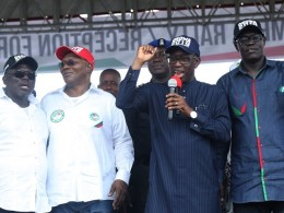 Delta State Governor, Senator Ifeanyi Okowa (2nd right); State Deputy Governor, Barr. Kingsley Otuaro (2nd left); State PDP Chairman, Barr. Kingsley Esiso (right) and Speaker, Delta State House of Assembly, Rt. Hon. Sheriff Oborevwori, during PDP Delta North Mega Rally/Reception of Decampees, at Kwale, Delta State.
