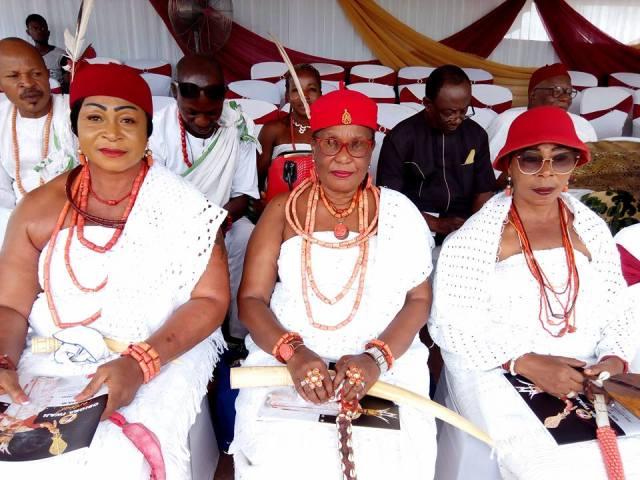 Omu Anioma, Obi Martha Dunkwu (middle) flanked by Omu Obior, Onyebuchibe Okonkwo (l) and Omu Ogwashi-Uku, Edith Rafu at the 2018 Edition of Obiora Iwaji Festival