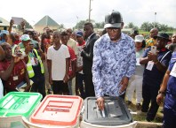 Delta State Governor, Senator Ifeanyi Okowa, casting his vote at Ward 2, Unit 3. during the 2019 Presidential and National Assembly Elections, held in Omi Primary School Owa-Alero, Delta State