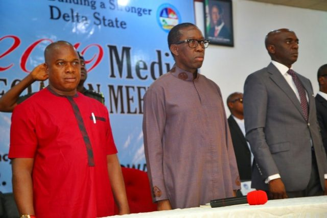 Delta State Governor, Senator Ifeanyi Okowa (middle); Secretary to State Government, Chiedu Ebie (right) and Chairman, Delta State Nigeria Union of Journalists (NUJ) Comrade Michael Ikeogwu, during the 2019 Media Appreciation Meeting, in Government House Asaba.