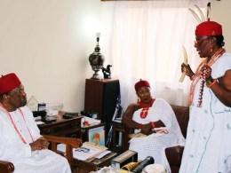 Omu Anioma, Obi Martha Dunkwu (R) Speaking at a Visit to the Asagba of Asaba, Obi Prof. Chike Edozien (L) accompanied by Omu Asaba, Obi Ada Biosah