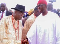 (L-R) Chief Ejiro Nomuoja Esq, welcoming Delta State Governor, Dr Ifeanyi Okowa to the burial of Late Hon (Chief) Mrs Lyn Ivie Owhojeheri JP at Orherhe town in Agbarho Ughelli North LGA