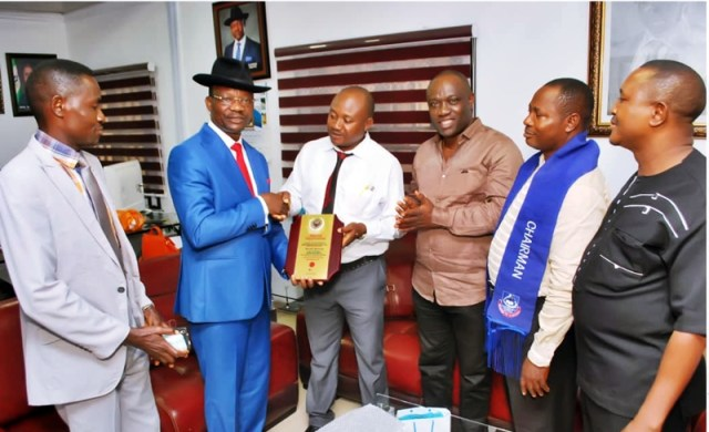 Auchi Poly Mass Comm Class 93 Honours Delta Information Commissioner, Mr Charles Aniagwu (middle)