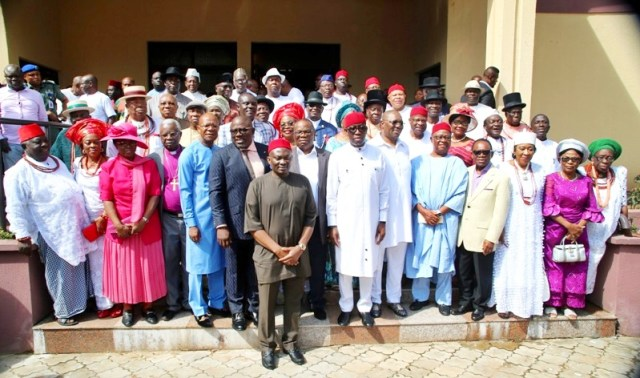 Delta State Governor, Senator Ifeanyi Okowa (7th right), his Deputy, Barr. Kingsley Otuaro (6th right), Minority Leader, House of Representatives, Rt Hon Ndudi Elumelu (7th left), the Speaker of the State House of Assembly, Rt Hon Sheriff Oborevwori (6th left), in a group photograph with the newly inaugurated State Advisory Council in Asaba.