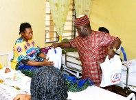 Osanebi's Birthday: Mr Prayer Pemu a.k.a Mc Orange, distributing Gifts Items to Patients