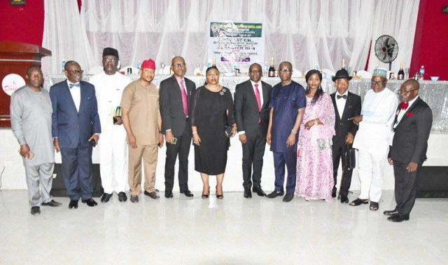 Delta Attorney General, Mr. Peter Mrakpor in a Group photograph with Judges, past Attorney Generals ànd other invited guests at the Dinner/Award night organized by theState Chapter of Law Officers Association of Nigeria.