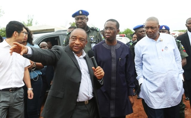 L-R: Late Uche Okpuno (ULO), Governor Ifeanyi Okowa and Deputy-Governor Kingsley Otuaro during an inspection of Asaba International Airport in 2017