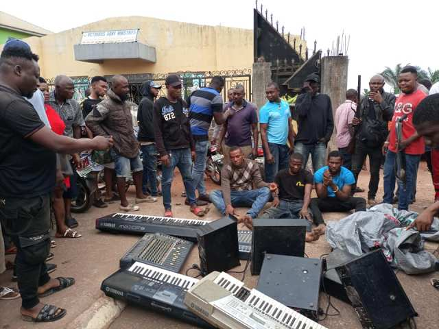 The Apprehended Thieves with Stolen Items being paraded by Agbor Gha-Ihun