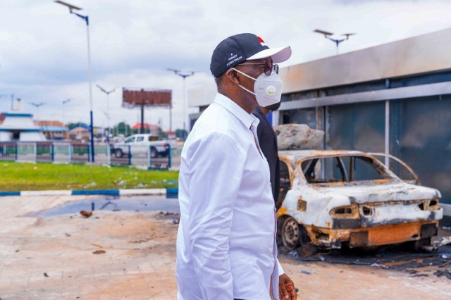 EndSARS: Okowa Inspects Destroyed Properties (2)