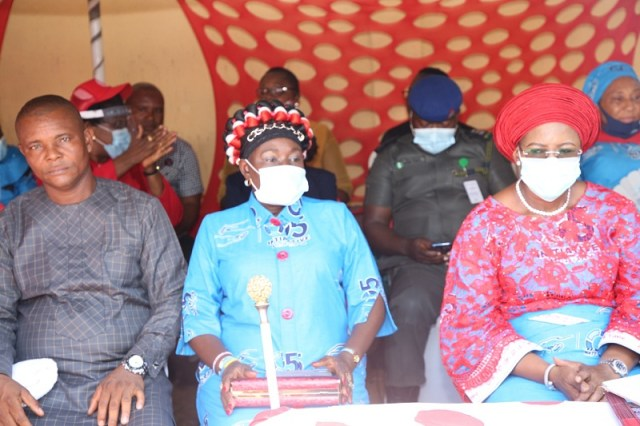 The wife of the Delta State Governor and founder O5 Initiative, Dame Edith Okowa (right) and the member representing Oshimili North in the Delta State House of Assembly, Hon. Princess Pat. Ajudua (Middle) and the Vice Chairman, Oshimili North Local Government Hon. Uche Esenwa representing the Chairman of the Council during the inauguration of Sickle Cell Clinic in Akwukwu-Igbo General Hospital (Pix: Norbert Amede)