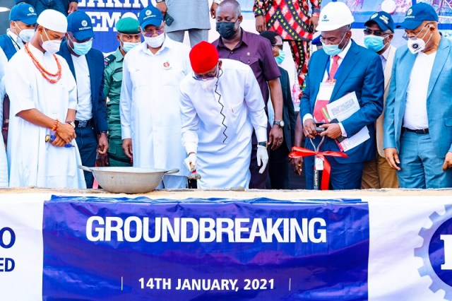 Delta Governor, Senator Dr .Ifeanyi Okowa (middle) performing the ground breaking of DELFRASCO Industries Limited at Issele-uku in Aniocha North Local Government Area on Thursday, January 14, 2021