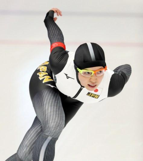 女子1000メートルでの小平奈緒の滑り=遠藤啓生撮影