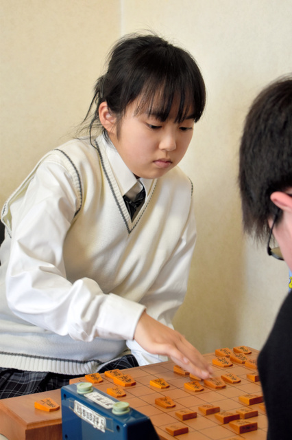 女流棋士3級になった加藤結李愛さん=仙台市太白区
