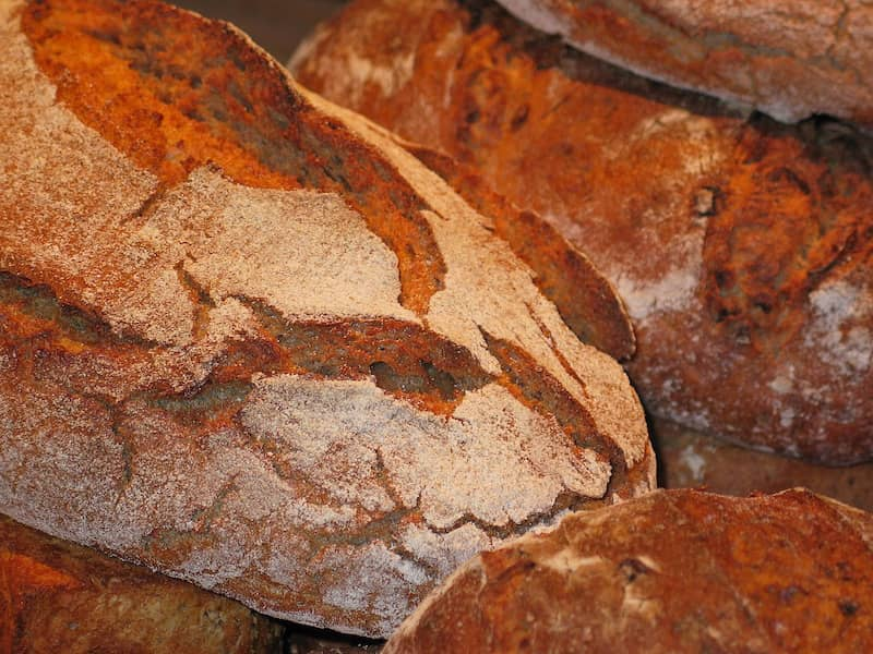 Loaves of bread for fantasy travellers