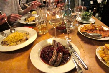 Venison sausages with red cabbage at Weinhaus Schreiner