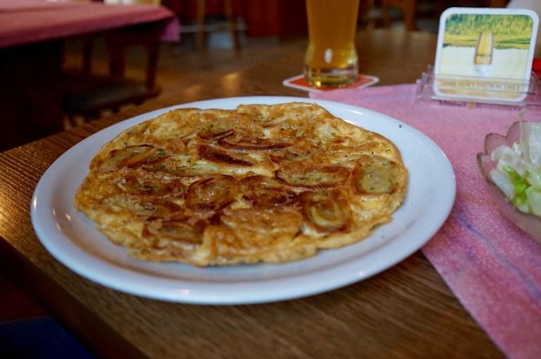 Maultaschen in Eimantel on a plate