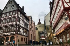 The half-timbered buildings of Frankfurt's Römerberg and the Schirn Kunsthalle behind