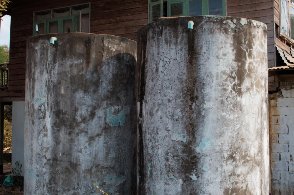How to Remove an Asbestos Water Tank