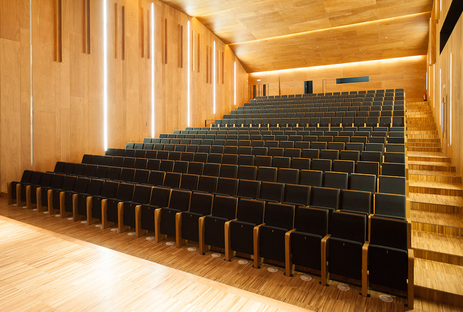 3 meters and a half over the floor Auditorio de Torroso