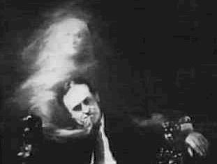 Harry Houdini demonstrates control over an ectoplasmic emission