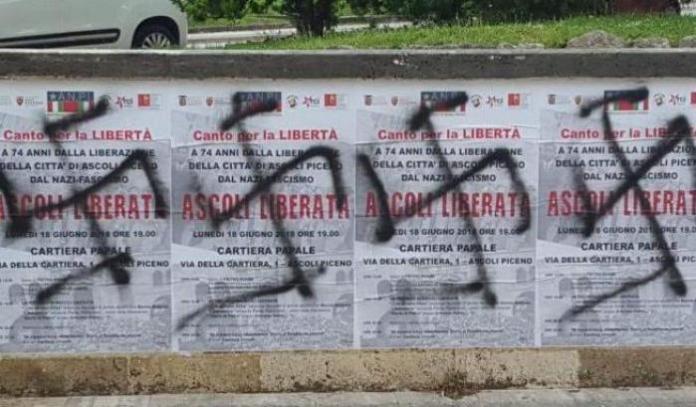 Manifesti dell'Anpi imbrattati ad Ascoli Piceno
