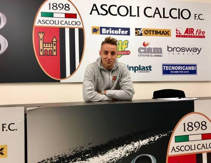 Davide Frattesi, Ascoli Calcio, foto da pagina Facebook ufficiale