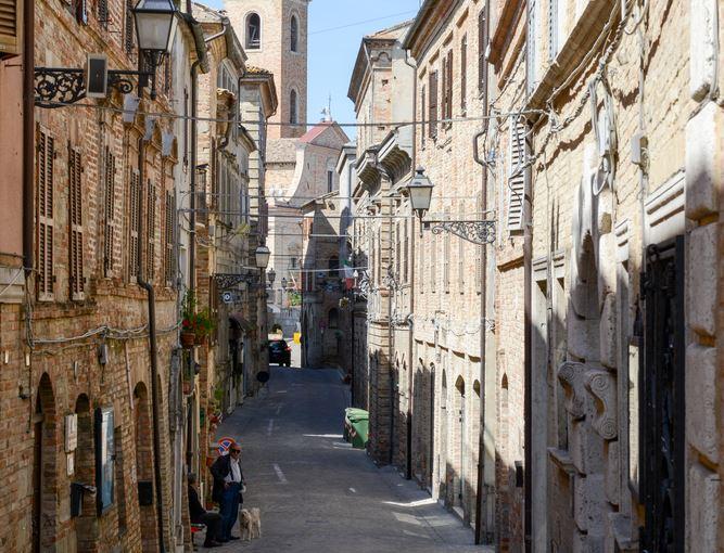Corso Vittorio Emanuele a Ripatransone