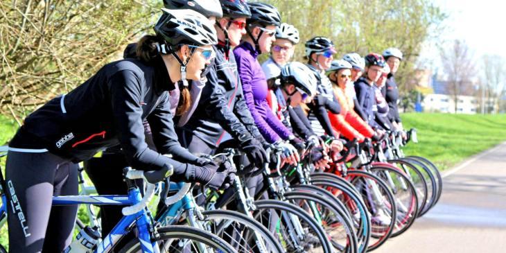ASC Olympia - Vrouwen zonder ervaring op de racefiets bij Fietsbelles