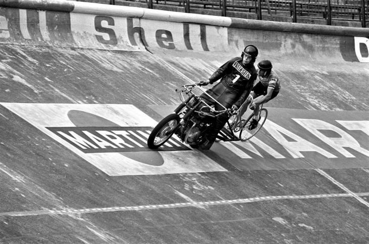 ASC Olympia - In het wiel van Bruno Walrave