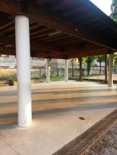 l'Agorà lo spiazzo-portico dove mettere le tavolate per le feste ed i tornei