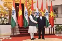 Narendra Modi With Prime Minister Nguyen Xuan Phuc of Vietnam