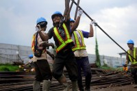 Filipino construction workers