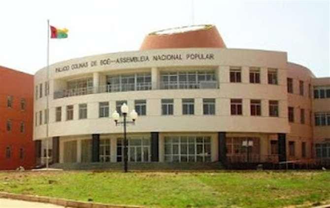 Guiné-Bissau: Presidente do Parlamento denuncia alegados aliciamentos a juízes do Supremo Tribunal de Justiça