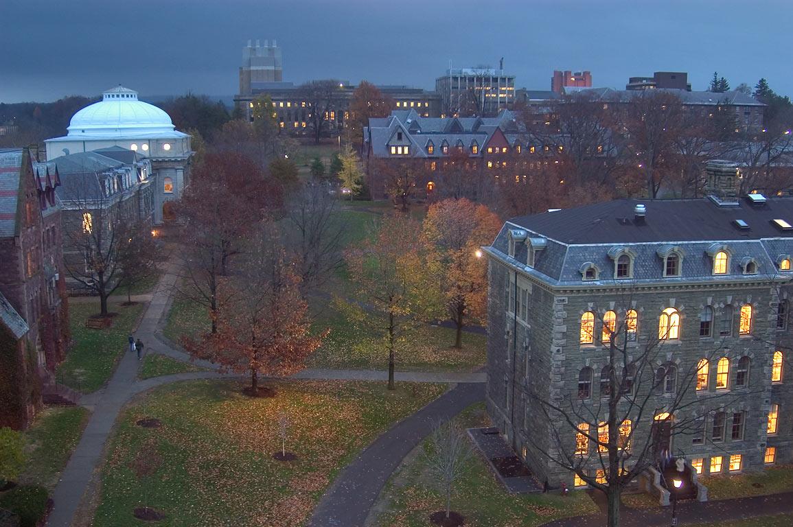"""Résultat de recherche d'images pour """"جامعة كورنيل"""""""
