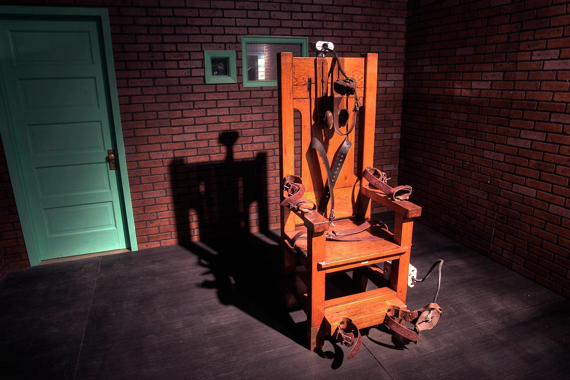 death by electric chair video mid century modern leather photo 618 04 old sparky used for capital