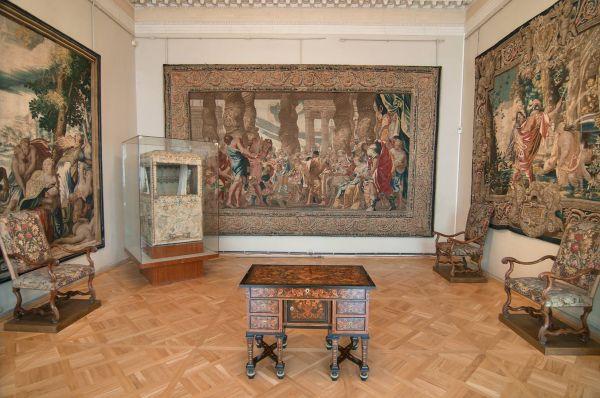 1078-11 Tapestry In Hermitage Museum. St.petersburg