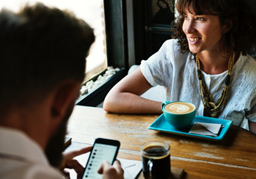 A partir de 2018, los gastos soportados por Autónomos en restaurantes y Hoteles son deducibles con los mismos límites que los de las dietas exentas de los trabajadores