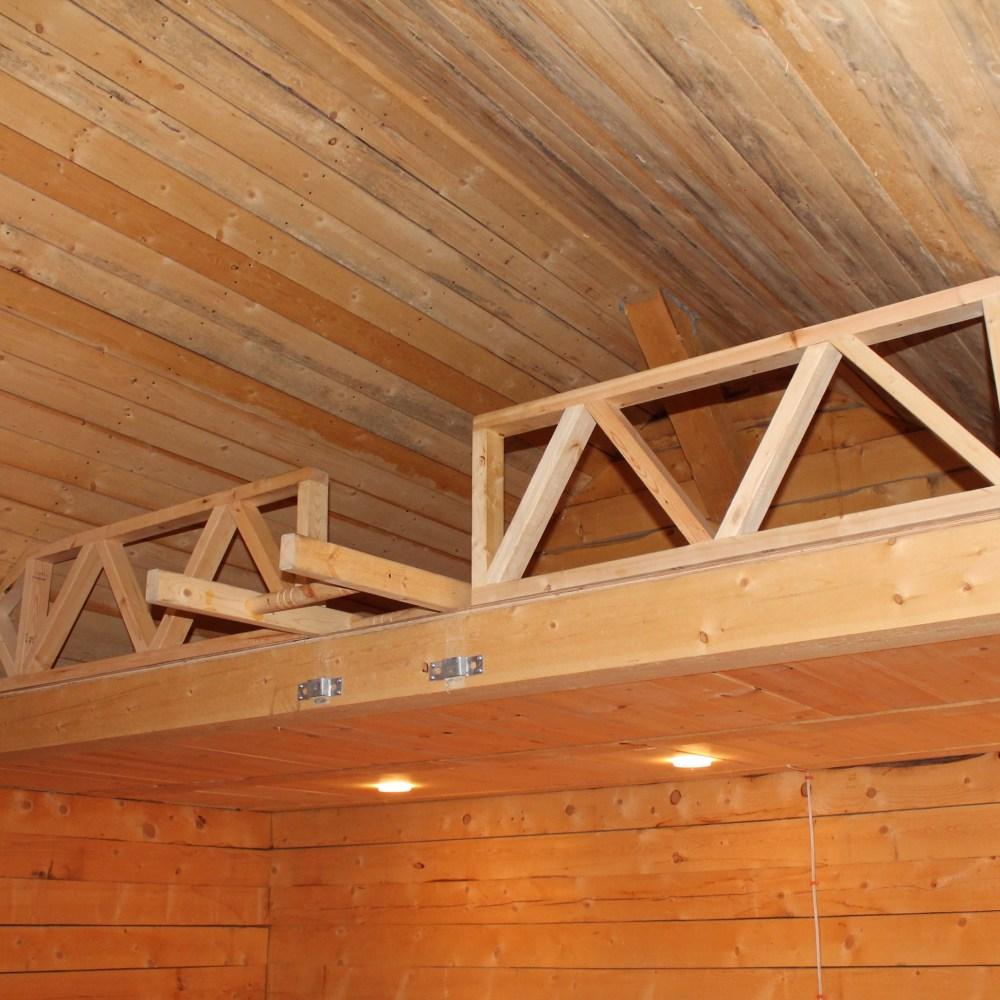 Large Cabin interior 3