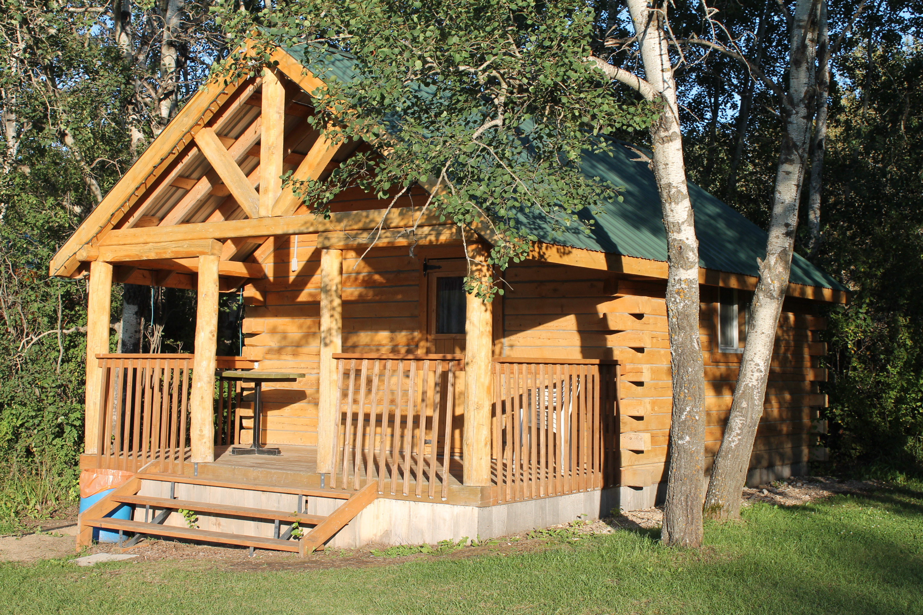 log cabin beach hut daily rentals asessippi beach campground. Black Bedroom Furniture Sets. Home Design Ideas
