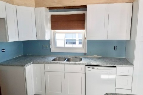 Viscount white grey white granite kitchen countertops in Treasure Island Florida
