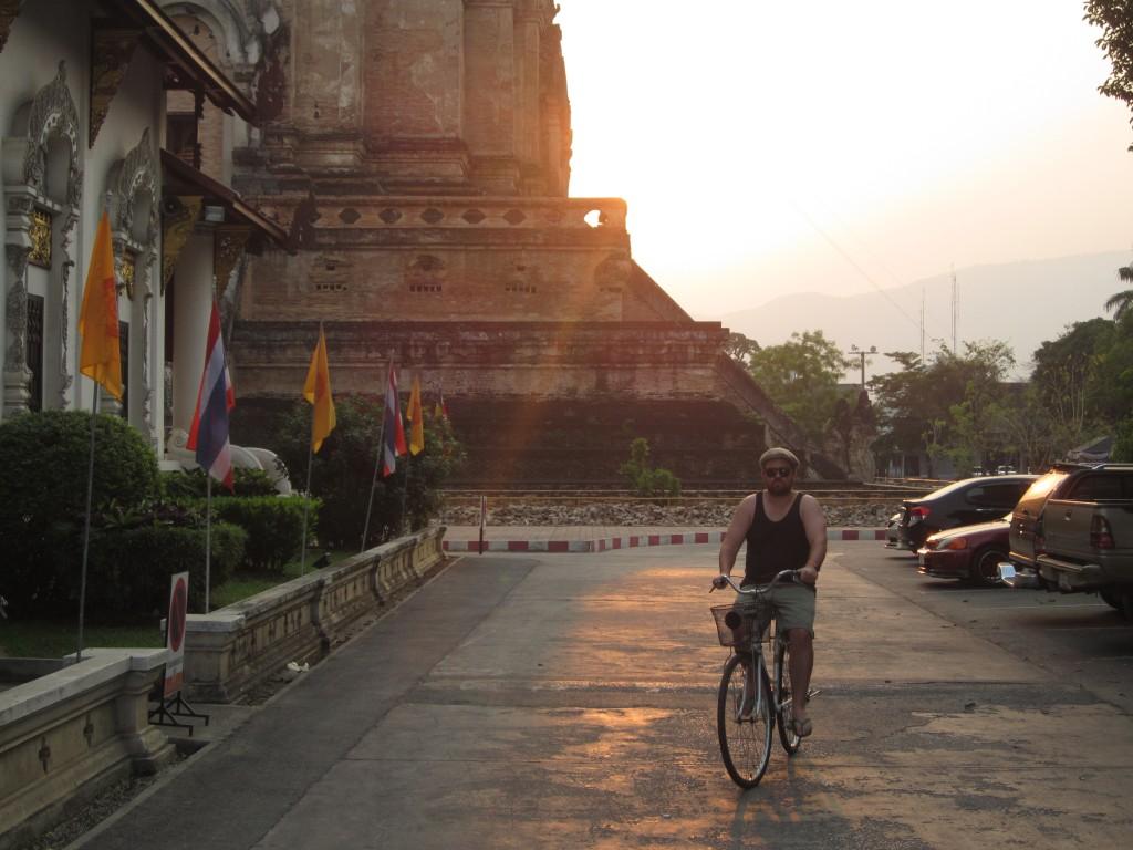 Wat Chedi Luang Buddha Ryan Bicycle