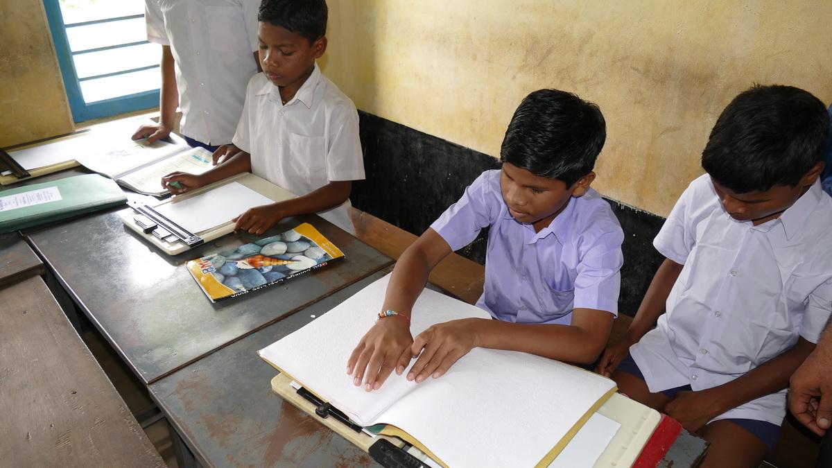 Schule für blinde Kinder im Banabasi Seva Samiti-Zentrum (Foto: Ashakiran)