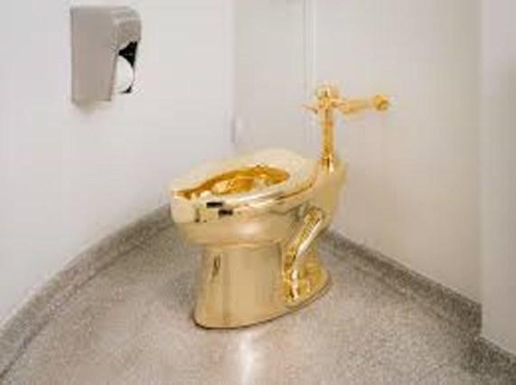 Guggenheim's Golden Throne, Mauricio Catallan