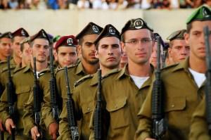cadets-diplc3b4mc3a9s-du-dernier-cours-de-lacadc3a9mie-des-officiers-de-tsahal