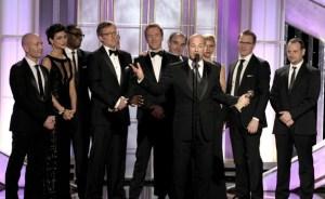 Howard Gordon remercie Gideon Raff sur la scène des Golden Globes